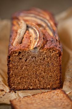 Spelt + Honey Banana Bread - The Healthy Chef - Teresa Cutter. My all time favourite recipe for banana bread! Spelt Banana Bread, Healthy Banana Bread, Banana Bread Recipes, Healthy Chef, Healthy Treats, Healthy Baking, Food Cakes, Gluten Free Baking, Chef Recipes