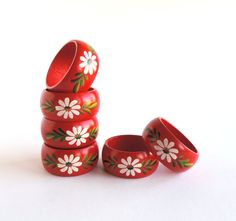 Vintage Wood Napkin Rings, Set of 6, Red with Tole Painted White Flower, Retro Scandinavian Design, Tabletop Dining by TheLogChateau on Etsy