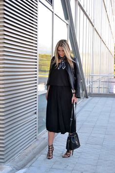 Outfit on Jeans And Roses Blog: Choies jacket, H&M scarf, SheIn culottes, Zara bag, Zara heels, Daniel Wellington watch.