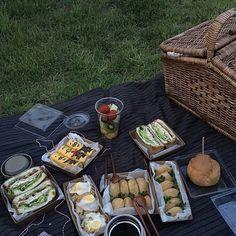 Picnic Date Food, Picnic Time, Picnic Foods, Summer Picnic, Cute Food, Good Food, Yummy Food, Comida Picnic, Dessert Drinks