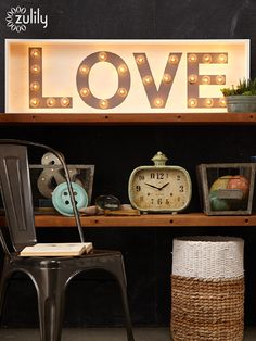 Home decor dressing up the walls wall decor home for Room decor ross