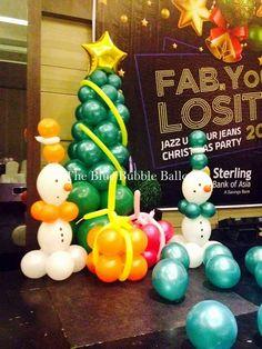 Admiring Snowman With Balloon To Celebrate Christmas Emoji Christmas, Christmas Balloons, Christmas Party Decorations, Balloon Decorations, Christmas Lights, Christmas Crafts, Christmas Tree, Christmas Ornaments, Diy Fashion