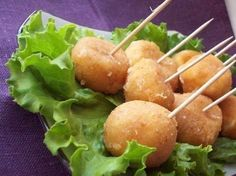 Cheese balls fried with garlic  Ingredients: – hard cheese (200 g) – chicken eggs (3 PCs.) – garlic (2-3 cloves) – wheat flour in/s (1-2 tbsp/l) – vegetable oil (for frying) – salt (to taste)