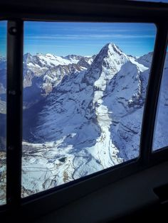 Eiger by a helicopterflight Winterthur, Zermatt, Swiss Ski, South America, Mount Everest, Skiing, Places To Go, Landscapes, Island
