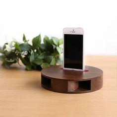 木製スピーカー(Loud L250)のコンパクトサイズ「Loud R160」。L250の技術を用いて、よりコンパクトでカジュアルな設計に仕上げました。 premics Loud R160