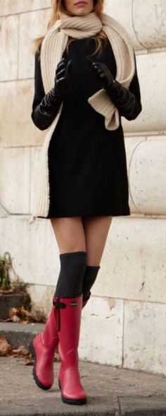 #winter #fashion / black knit dress + red color pop
