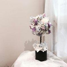 . . #토피어리 #topiary . . #lesson #Order Katalk ID vaness52 WeChat ID vaness-flower E-mail vanessflower@naver.com 강남구 신사동 515-2 02-545-6813 . #vanessflower #flower #florist #flowershop #handtied #flowerlesson #flowerclass #플라워 #바네스플라워 #플라워카페 #플로리스트 #꽃다발 #부케 #원데이클래스 #플로리스트학원 #신사동꽃집 #가로수길꽃집 #플라워레슨 #플라워아카데미 #꽃수업 #꽃주문 #花 #花艺师 #花卉研究者 #花店 #花艺