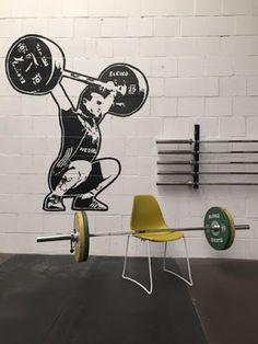 Joost West: OKTOBER STUNT! de nieuwe Stack-stoel met stapel, s...