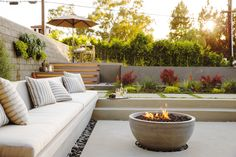 25 Modern Room Decorating Ideas - Sunset we can create seating and and firepit directly off the dining room. Garden Fire Pit, Fire Pit Backyard, Backyard Patio, Backyard Landscaping, Backyard Seating, Outdoor Rooms, Outdoor Gardens, Outdoor Living, Outdoor Decor