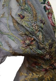 Costume Embroidery & Illustration by Michele Carragher for Film & TV Couture Embroidery, Silk Ribbon Embroidery, Embroidery Applique, Embroidery Designs, Textiles, Got Costumes, Game Of Thrones Costumes, Lesage, Passementerie