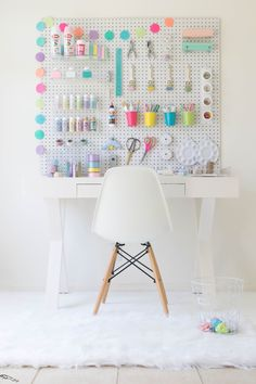 How do I build my own craft station? - How do I build . – Wie baue ich meine eigene Handwerk… How do I build my own craft station? – How do I build my own craft station? – # craft station # build – # own - Study Room Decor, Diy Room Decor For Teens, Cute Room Decor, Diy Home Decor, Diy Crafts For Bedroom, Craft Rooms, Rooms For Kids, Teen Study Room, Diy For Room