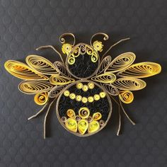 Ideas for Paper Quilling Art Designs by Angelica Botero - Paper quilling - Tier Paper Quilling Art Designs, Quilling Images, Arte Quilling, Quilling Work, Paper Quilling Patterns, Quilled Paper Art, Quilling Paper Craft, Quilling Ideas, Quilling Butterfly