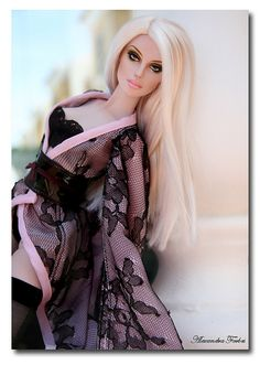 since when did barbie become real looking? Lingerie Barbie in pink Barbie I, Barbie World, Barbie Clothes, Fashion Dolls, Moda Fashion, Fashion Art, Chic Chic, Beanie Babies, Pretty Dolls