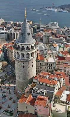 Galata Tower Istanbul - By Yıldırım İncealemdaroğlu - Imgram Pin to Pin Istanbul Wallpaper, Places To Travel, Places To See, Places Around The World, Around The Worlds, Wonderful Places, Beautiful Places, Empire Ottoman, Visit Turkey