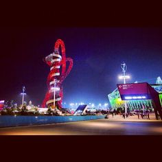 #Paralympics #London2012 at midnight on 6th Sept. Perfect end to the day! via @sparrow_tweets