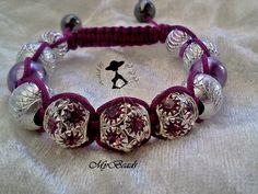 """Shamballa Armbänder stammen aus Tibet und gelten dort als Glücksbringer.  Hochwertig geknüpftes """"Shamballa"""" - Armband von *""""LuLiZi""""* in lila. Mit 3 ed"""