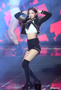 Stage Outfits, Kpop Outfits, Korean Outfits, Cute Outfits, Blackpink Jennie, Blackpink Fashion, Korean Fashion, Square Two, Mode Kpop