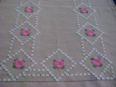 Resultado de imagem para bordado ponto reto toalhas