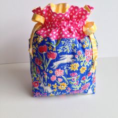 Quilted drawstring bag