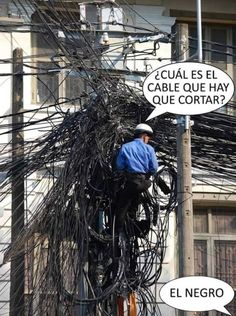 Easiest job ever Funny Spanish Memes, Stupid Funny Memes, Tv Funny, Hilarious, Crush Memes, Disney Memes, Best Memes, Really Funny, Haha