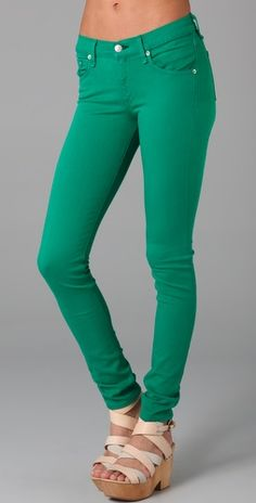 <3  never thought i would love green pants, but i do!