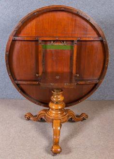 A Superb Victorian Circular Figured Walnut Centre #x2F; Dining Table. The  Tilt Top