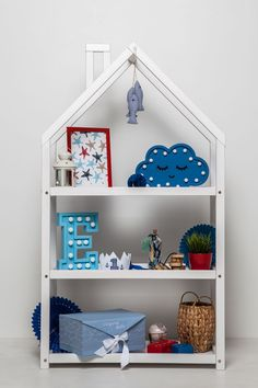 Kids bedroom house shaped shelf or wooden house shelf, nursery shelf Organizing Kids Books, Nursery Wall Shelf, Montessori Education, Montessori Toys, Kids Bedroom, Bedroom Ideas, Nursery Furniture, Toddler Furniture, Nursery Decor