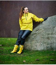 Rain Wear, Rain Suit, Leather Pants, Raincoat, Pullover, Suits, Gas Masks, Vinyls, How To Wear