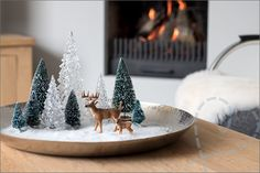 Christmas Decor for the Coffee Table Workshop, Christmas Coffee, Decorating Coffee Tables, Merry Xmas, Xmas Decorations, Winter, Snow Globes, Action, Home Decor
