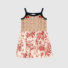 Gucci children's beige crochet dress with cerise herbarium print skirt. Toddler Girl Outfits, Kids Outfits, Kylie, Girls Designer Clothes, Little Fashionista, Cotton Crochet, Stylish Kids, Printed Skirts, Womens Scarves