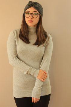 grey bow ear warmer made in montreal miyuki crochet fashion