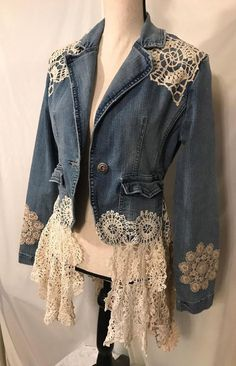 The Avonlea Jacket - Upcycled Clothing Denim Jacket Embellished with Vintage Lace and French Doilies Jr size Lg Die Avonlea Jacke Upcycled Clothing Minimalist Outfit, Diy Shorts, Denim Ideas, Denim Crafts, Altered Couture, Denim And Lace, Recycled Denim, Vintage Lace, Vintage Dress