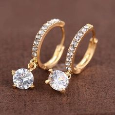 SHARE & Get it FREE | Round Rhinestone EarringsFor Fashion Lovers only:80,000+ Items·FREE SHIPPING Join Dresslily: Get YOUR $50 NOW!