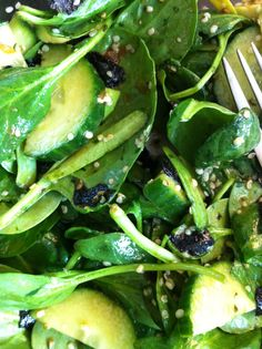 Simple Seaweed Salad, looks like: spinach,  cucumber, nori seaweed, sesame seeds, and dressing. Nori Seaweed, Seaweed Salad, Sea Vegetables, Veggies, Veggie Diet, Healthy Salads, Diets, Whole Food Recipes, Cucumber