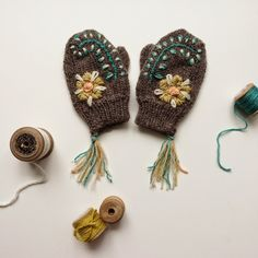 These are gorgeous.....from Dottie Angel Oh Such joy I will make these with Animal cruelty free wool :)