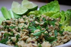 Larb Gai, tajska sałatka z kurczakiem Wok, Risotto, Grains, Rice, Ethnic Recipes, Seeds, Laughter, Jim Rice, Korn