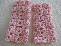 Learn about broomstick lace and enjoy suggestions for five top patterns to practice this advanced technique in you own crochet!
