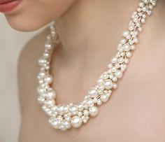 Gorgeous pearl necklae