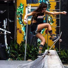 Girls On Skateboards