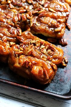 Best Ever Overnight Pecan Caramel Sticky Buns Pecan caramel sticky buns are allowed to rise overnight in the fridge so that they are ready to bake off for an indulgent and delicious breakfast the next morning. Best Sticky Bun Recipe, Pecan Sticky Buns, Pecan Rolls, Sticky Rolls, Breakfast Dishes, Breakfast Recipes, Breakfast Pastries, Breakfast Ideas, Cinnamon Bun Recipe