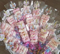 Unicorn spekspiesjes bij i-Presents. Party Unicorn, Unicorn Themed Birthday Party, Unicorn Baby Shower, 10th Birthday Parties, Diy Birthday, Birthday Party Decorations, First Birthdays, Creations, Unicorns