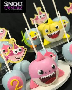 Shark Cake Pops, Shark Cupcakes, Chocolate Apples, Chocolate Babies, Baby Party, Baby Shower Parties, Sharks For Kids, Shark Party, Kids Party Themes