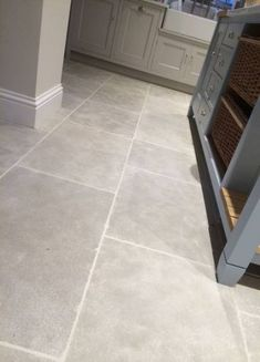 tiles Grey Moroccan Grey Limestone - Hand finished grey flagstone for kitchens. This light grey limestone tile has soft mushroom grey tones and a gentle aged stone for all interior uses and a good stone for underfloor heating. a good alternative to Jaipur Hall Flooring, Grey Flooring, Kitchen Flooring, Flooring Ideas, Grey Kitchen Floor, Grey Floor Tiles, Kitchen Floor Tiles, Ceramic Floor Tiles, Flagstone Flooring