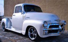 old trucks chevy Vintage Pickup Trucks, Classic Pickup Trucks, Vintage Cars, Antique Trucks, Gm Trucks, Cool Trucks, Lifted Trucks, 1954 Chevy Truck, Gm Chevy