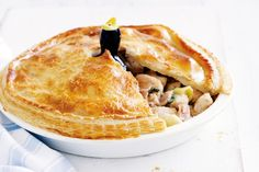 Family chicken, bacon and leek pie. The perfect centrepiece for your dinner table, this pie tastes as good as it looks. Chicken And Ham Pie, Chicken Bacon, Pie Recipes, Chicken Recipes, Cooking Recipes, Chicken Meals, Family Recipes, Recipies, Onion Recipes