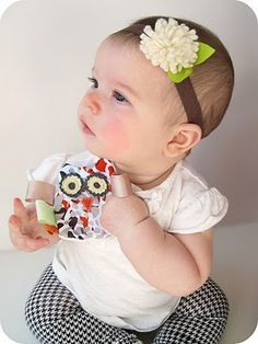 homemade by jill: crinkly owl teethers (and a felt flower headband) Sewing Baby Clothes, Baby Sewing, Owl Sewing, Sew Baby, Sewing Tutorials, Sewing Crafts, Sewing Projects, Sewing Ideas, Baby Bug