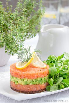 Faszerowane cebule Jajka z farszem łososiowo pomidorowym Jajka faszerowane pieczarkami Wiosenne jajka faszerowane Rolada szpinakowa z łososiem Tatar z łososia