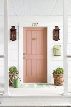 35 Super Ideas For Front Door Makeover Ideas House Front Door Paint Colors, Painted Front Doors, Front Door Makeover, Front Door Decor, Unique Front Doors, Interior Exterior, Exterior Design, Interior Door, Door Design