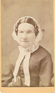 1860s CDV Mrs N. Farnsworth, Bonnet, Spectacles N. Bridgton ME Loomis Photograph