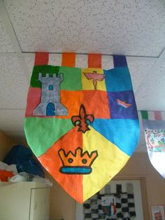 L'école, c'est classe ! Library Activities, Activities For Kids, Homemade Forts, Chateau Moyen Age, Castles In Ireland, Jack And The Beanstalk, Art Themes, Edd, Classroom Themes